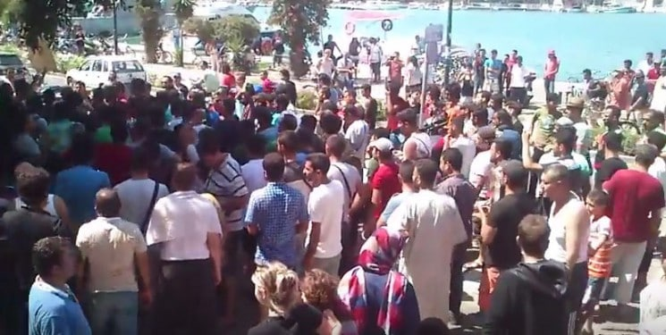 REFUGEES DEMONSTRATIONS IN GREECE!!! (VIDEO)