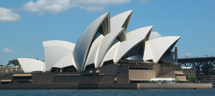 BREAKING NEWS!!! – OPERA HOUSE IN SYDNEY HAD BEEN EVACUATED – POLICE OPERATION UNDERWAY
