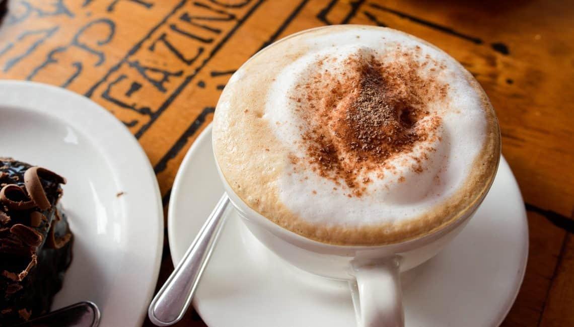 5 DAYS COFFEE SHOP IN SYDNEY CBD WITH VERY GOOD PROFIT!!!