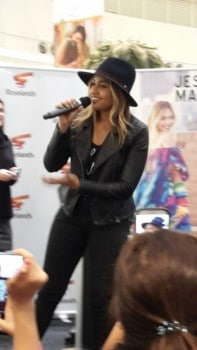 SEE PHOTOS OF JESSICA MAUBOY IN ROSELANDS SHOPPING CENTRE