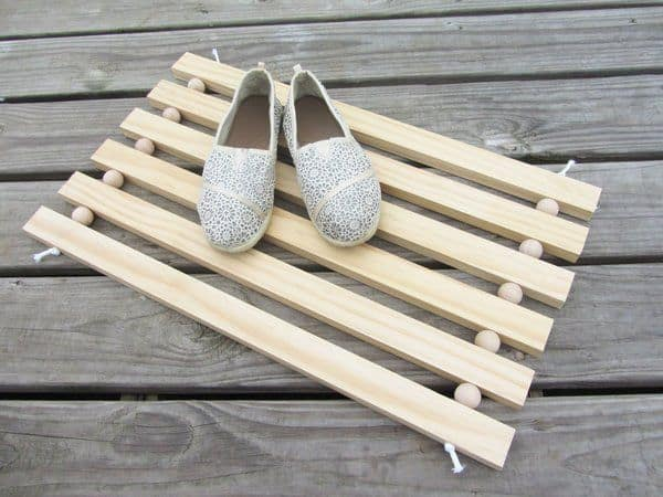 How to Make a Modern Doormat Out Of Wood For Your Home