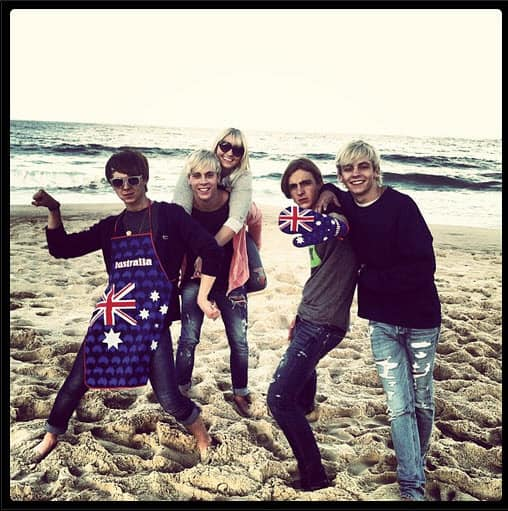 R5 ARE COMING TO AUSTRALIA!