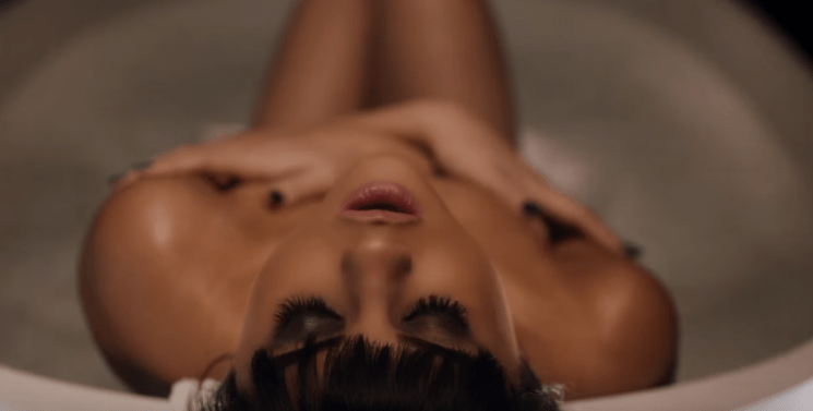 THE SEXY VIDEO CLIP OF SELENA GOMEZ HAS MADE YOUTUBE GO CRAZY