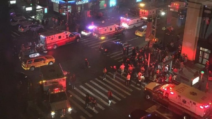 EXPLOSION IN MANHATTAN: 25 INJURED