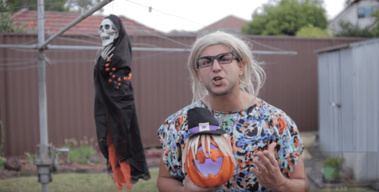 FUNNY VIDEO ABOUT HALLOWEEN FROM SUPERWOG